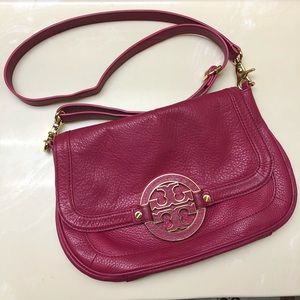 Hot pink Tory Burch Amanda crossbody bag